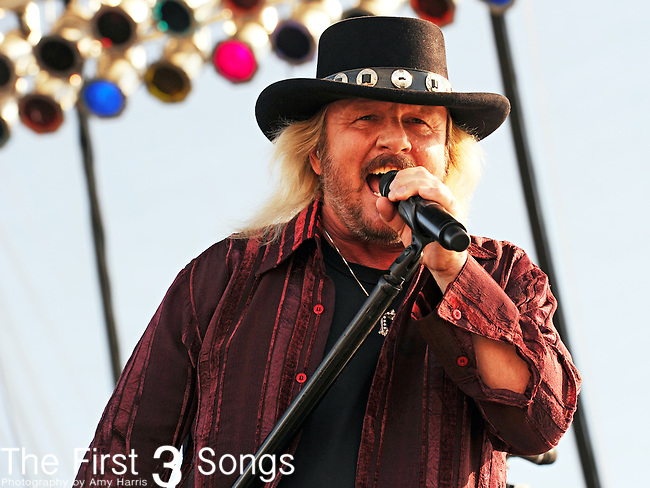Donnie Van Zant of 38 Special performs during the HullabaLOU Music Festival in Louisville, KY on July 25, 2010.