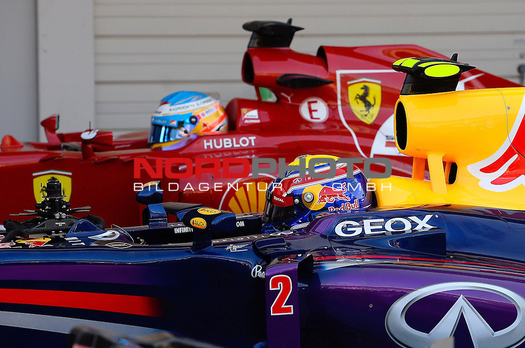 03.06.10.2013, Korea-International-Circuit, Yeongam, KOR, F1, Gro&szlig;er Preis von S&uuml;dkorea, Yeongam, im Bild Mark Webber (AUS), Red Bull Racing - Fernando Alonso (ESP),  Scuderia Ferrari <br /> for Austria &amp; Germany Media usage only!<br />  Foto &copy; nph / Mathis