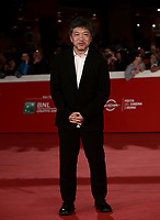 "Il regista giapponese Hirokazu Kore'eda posa durante il red carpet per la presentazione del film ""Motherless Brooklyn"" alla 14^ Festa del Cinema di Roma all'Aufditorium Parco della Musica di Roma, 17 ottobre 2019.<br /> Japanese director Hirokazu Kore'eda poses during the red carpetl to present the movie ""Motherless Brooklyn"" during the 14^ Rome Film Fest at Rome's Auditorium, on 17 october 2019.<br /> UPDATE IMAGES PRESS/Isabella Bonotto"