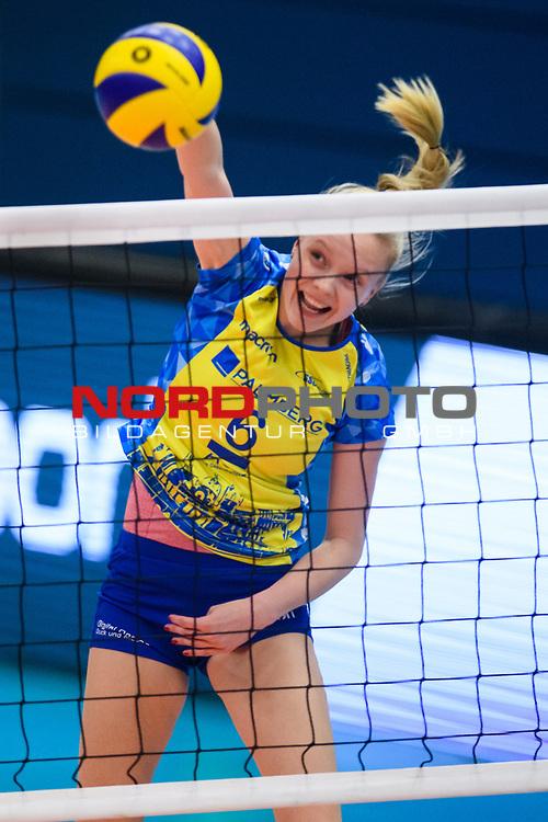 24.11.2018, Halle Berg Fidel, Muenster<br />Volleyball, DVV-Pokal Frauen, Viertelfinale, USC MŸnster / Muenster vs. SSC Palmberg Schwerin<br /><br />Angriff Jennifer Geerties (#6 Schwerin)<br /><br />  Foto &copy; nordphoto / Kurth