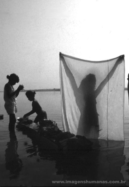 lavadeiras - conceição do Araguaia - Pará, rio araguaia  .laundresses - conceição of Araguaia - Pará, I laugh araguaia