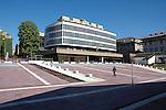 Il palazzo della Camera di Commercio in piazza Valdo Fusi.