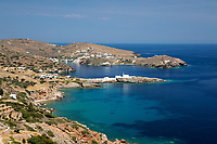 Greece, South Aegean, Cyclades, Sifnos  island, Chrisopigi: View along island's south east coastline towards Chrisopigi | Griechenland, Suedliche Aegaeis, Kykladen, Insel Sifnos, Chrisopigi: die Sued-Ost-Kueste