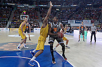 Herbalife Gran Canaria's Eulis Baez (l) and Uxue Bilbao Basket's Lamont Hamilton during Spanish Basketball King's Cup match.February 07,2013. (ALTERPHOTOS/Acero)