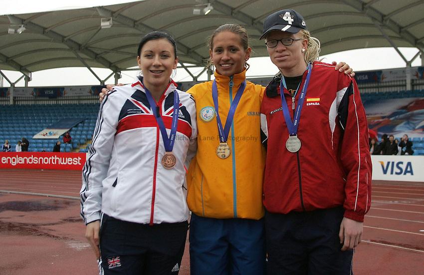Photo: Paul Thomas..VISA Paralympic World Cup 2007. Athletics. 13/05/2007...(L-R) Elizabeth Clegg of Great Britain, Oxana Boturchuk of the Ukraine and Eva Ngui of Spain.