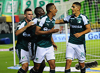 PALMIRA - COLOMBIA - 03 - 03 - 2018: Jhon Mosquera (Cent.) jugador de Deportivo Cali celebra el gol anotado a Rionegro Aguilas Doradas, durante partido entre Deportivo Cali y Rionegro Aguilas Doradas de la fecha 6 por la liga Aguila I 2018, jugado en el estadio Deportivo Cali (Palmaseca) en la ciudad de Palmira. / Jhon Mosquera (C) player of Deportivo Cali celebrates a scored goal to Rionegro Aguilas Doradas, during a match between Deportivo Cali and Rionegro Aguilas Doradas of the 6th date for the Liga Aguila I 2018, at the Deportivo Cali (Palmaseca) stadium in Palmira city. Photo: VizzorImage  / Nelson Rios / Cont.
