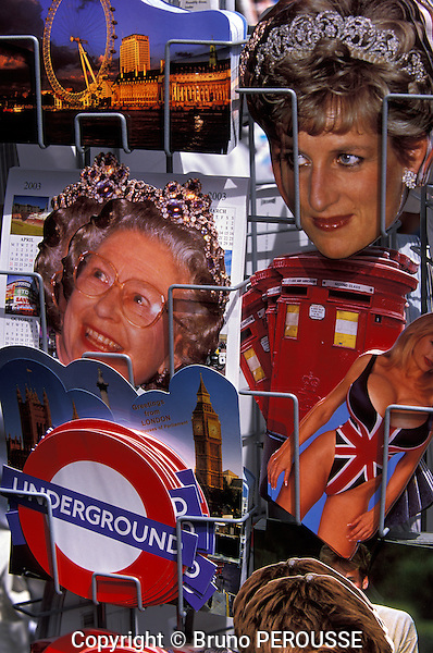 Grande Bretagne, Angleterre, Londres, cartes postales de la princess Diana et de la reine Elisabeth II//Great Britain, England, London, postcards of princess Diana and queen Elizabeth II