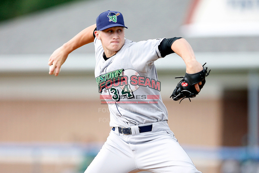 July 3, 2009:  Starting Pitcher Dan Mahoney of the Jamestown Jammers delivers a pitch during a game at Dwyer Stadium in Batavia, NY.  The Jammers are the NY-Penn League Short-Season Class-A affiliate of the Florida Marlins.  Photo by:  Mike Janes/Four Seam Images