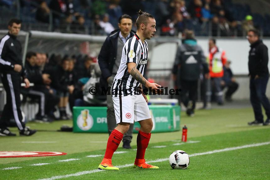 Yanni Regäsel (Eintracht Frankfurt) - 25.10.2016: Eintracht Frankfurt vs. FC Ingolstadt 04, 2. Hauptrunde DFB-Pokal, Commerzbank Arena