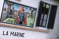 Europe/France/Aquitaine/33/Gironde/Bassin d'Arcachon/Gujan-Mestras: Port Ostréicole de Larros Détail Mur Peint du Bar de La Marine représentant des ostréiculteurs
