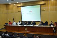 SAO PAULO, 12 DE JUNHO DE 2013 - REUNIAO AUMENTTO TARIFA MINISTERIO PUBLICO - Reunião com as organizações contrárias ao aumento da tarifa de ônibus em São Paulo e representantes das Secretarias Estadual e Municipal de Transportes com o Ministério Público acontece na sede do MP, região da Sé, centro da capital, na tarde desta quarta feira, 12. (FOTO: ALEXANDRE MOREIRA / BRAZIL PHOTO PRESS)