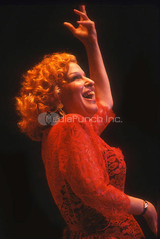 #BetteMidler 1985<br /> Photo By John Barrett/PHOTOlink.net / MediaPunch