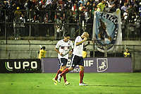 ATENÇÃO EDITOR: FOTO EMBARGADA PARA VEÍCULOS INTERNACIONAIS SÃO PAULO,SP,04 NOVEMBRO 2012 - CAMPEONATO BRASILEIRO - PORTUGUESA x BAHIA - Souza jogador do Bahia comemora gol durante partida Portuguesa x Bahia válido pela 34º rodada do Campeonato Brasileiro no Estádio Doutor Osvaldo Teixeira Duarte (Canindé), na região norte da capital paulista na noite deste domingo (04).(FOTO: ALE VIANNA -BRAZIL PHOTO PRESS).
