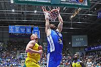 Jonas Wohlfahrt-Bottermann (Fraport Skyliners) beim Dunking - 05.11.2017: Fraport Skyliners vs. EWE Baskets Oldenburg, Fraport Arena Frankfurt