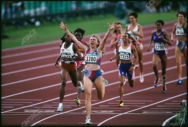 800m women finals, Svetlana Masterkova (Russia)--gold, Atlanta, Georigia, USA, July 1996