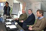 UTRECHT - Marieke van Rhijn, Jan IJff, Dick Vastenhouw, .Forumdiscussie Speelkwaliteit in de golfsport. FOTO KOEN SUYK