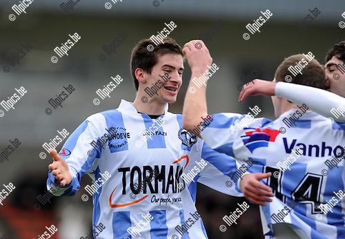 2011-01-23 / Voetbal / seizoen 2010-2011 / Kapellen - Geel-Meerhout / G-M viert de 0-1..Foto: mpics