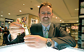 Glasgow smells - Jamie Proctor of Frasers - 18.7.12 - 07702 319 738 - clanmacleod@btinternet.com - www.donald-macleod.com