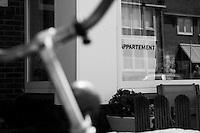 Ferienwohnung, Ferienappartement zu vermieten im niederlaendischen Fereienort Zandvoort an der Nordsee.<br />19.4.2009, Zandvoort/Niederlande<br />Copyright: Christian-Ditsch.de<br />[Inhaltsveraendernde Manipulation des Fotos nur nach ausdruecklicher Genehmigung des Fotografen. Vereinbarungen ueber Abtretung von Persoenlichkeitsrechten/Model Release der abgebildeten Person/Personen liegen nicht vor. NO MODEL RELEASE! Don't publish without copyright Christian-Ditsch.de, Veroeffentlichung nur mit Fotografennennung, sowie gegen Honorar, MwSt. und Beleg. Konto:, I N G - D i B a, IBAN DE58500105175400192269, BIC INGDDEFFXXX, Kontakt: post@christian-ditsch.de]