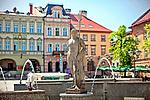 19.05.2013. Fontanna z rzeźbą rzymskiego boga mórz, Neptuna, na rynku w Bielsku-Białe