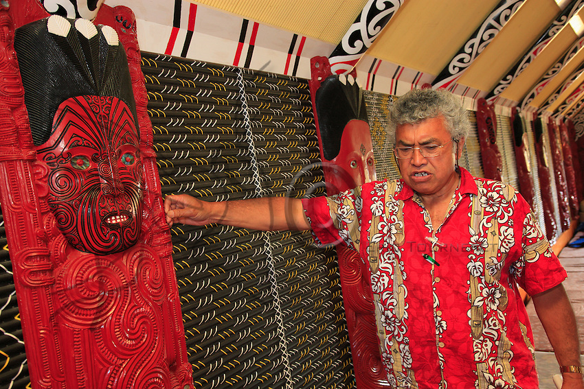 Tamaona Waaka Vercoe. Maori businessman, 62, president of the company Maori Investment Limited, in his marea in front of the sculpture of one of his clan's ancestors. He is one of the first Maoris to have received higher education, in economics. He worked at the central bank in Auckland before coming back to his homeland at the age of 35. Today, he is owner of several dairy farms. For the Maoris, the past is before us, it is known, it is genealogy, the history of their ancestors, from which they gain experience for the present. But the future is behind us, because it is unknown. You can sometimes turn your head to try to glimpse it, but it remains unknown. Tamaona is stronger for balancing the Maori vision of the world and his experience in European style economics.
