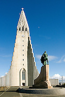In front of Hallgrímskirkja is the impressive statue of Iceland-born Leif Eiriksson, who is said to be the first European to set foot on North America, nearly 500 years before Columbus. The statue was a gift from the United States in 1930 to commemorate the 1,000-year anniversary of the Althing (Iceland's first parliament) established at Thingvellir in 930.