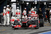 MELBOURNE, AUSTRALIA, 17 MARÇO 2013 - F1 - GP DA AUSTRALIA - O piloto britanico Jenson Button, da McLaren Mercedes durante o GP da Austrália, em Albert Park, Melbourne, neste domingo (17). (FOTO: PIXATHLON / BRAZIL PHOTO PRESS).