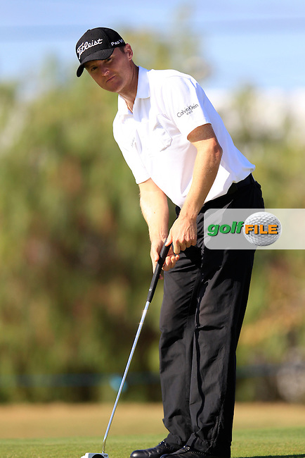Michael Hoey (NIR) putts on the 3rd green during Friday's Round 2 of the Portugal Masters at the Oceanico Victoria Golf Course, Vilamoura, Portugal 12th October 2012 (Photo Eoin Clarke/www.golffile.ie)