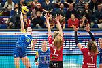 20.12.2017, Margon-Arena, Dresden, GER, DVV-Pokal Damen Halbfinale, Dresdner SC vs. SSC Palmberg Schwerin, im Bild<br /> <br /> <br /> Marie Schoelzel (#16, SSC Palmberg Schwerin), Louisa Lippmann (#3, SSC Palmberg Schwerin), Dominika Strumilo (#7, Dresdner SC), Barbara Wezorke (#1, Dresdner SC), <br /> <br /> Foto &copy; nordphoto / Dostmann