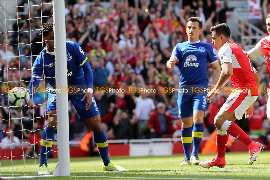 Alexis Sanchez of Arsenal scores the second goal during Arsenal vs Everton, Premier League Football at the Emirates Stadium on 21st May 2017