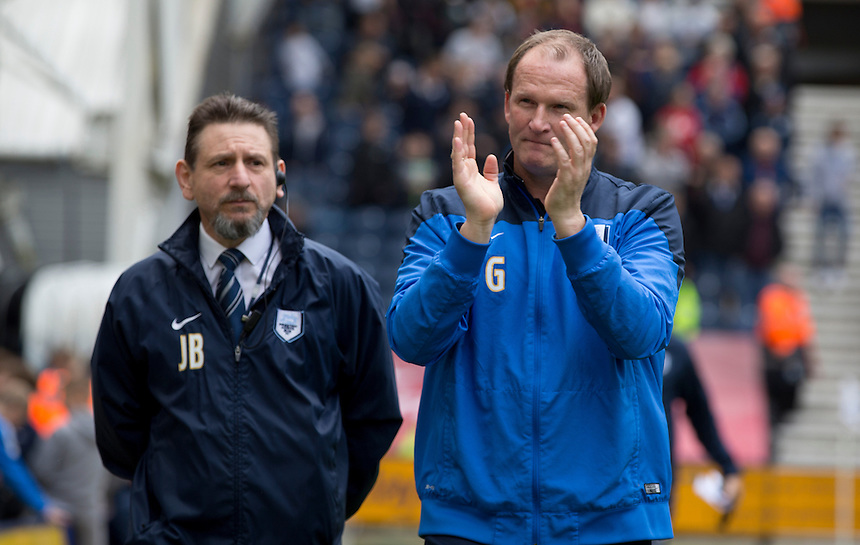 A relaxed Preston North End manager Simon Grayson takes his place in the dug-out prior to kick-off<br /> <br /> Photographer Stephen White/CameraSport<br /> <br /> Football - The Football League Sky Bet League One Semi-Final Second Leg - Preston North End -  Chesterfield - Deepdale - Preston<br /> <br /> &copy; CameraSport - 43 Linden Ave. Countesthorpe. Leicester. England. LE8 5PG - Tel: +44 (0) 116 277 4147 - admin@camerasport.com - www.camerasport.com
