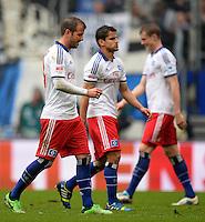 FUSSBALL   1. BUNDESLIGA   SAISON 2012/2013    34. SPIELTAG Hamburger SV - Bayer 04 Leverkusen                      18.05.2013 Rafael van der Vaart und Tomas Rincon (v.l., beide Hamburger SV) sind enttaeuscht
