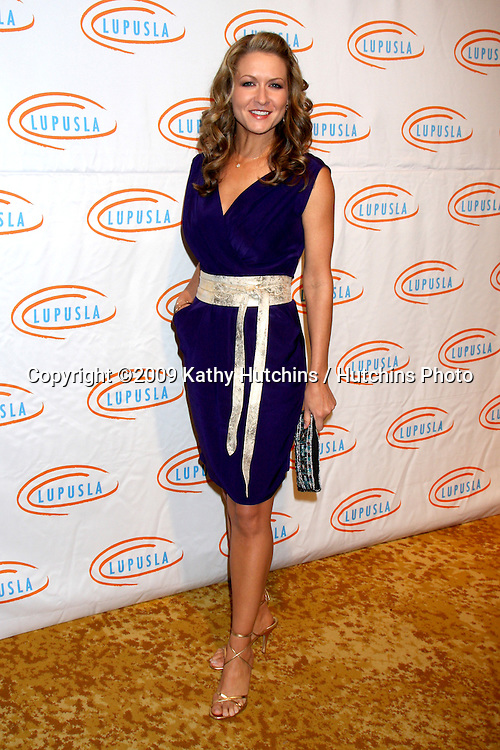 Ali Hillis.arriving at the 7th Annual Lupus LA Bag Ladies Luncheon .Beverly Wilshire Hotel.Beverly Hills,  CA.November 18, 2009.©2009 Kathy Hutchins / Hutchins Photo.