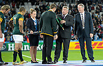 ENG - London, England, October 30: During the prize giving ceremony after the bronze medal match between South Africa (green/gold) and Argentina (blue/white) on October 30, 2015 at The Stadium, Queen Elizabeth Olympic Park in London, England. Final score 24-13 (HT 16-0). (Photo by Dirk Markgraf / www.265-images.com) *** Local caption *** (L-R) Chairman of the RFU Jason Leonard, Chairman of World Rugby Bernard Lapasset