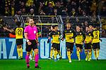 05.11.2019, Signal Iduna Park, Dortmund , GER, Champions League, Gruppenphase, Borussia Dortmund vs Inter Mailand, UEFA REGULATIONS PROHIBIT ANY USE OF PHOTOGRAPHS AS IMAGE SEQUENCES AND/OR QUASI-VIDEO<br /> <br /> im Bild | picture shows:<br /> der BVB gleicht durch Julian Brandt (Borussia Dortmund #19) aus und macht sich zurueck auf dem Weg zum Mittelkreis, <br /> <br /> Foto © nordphoto / Rauch