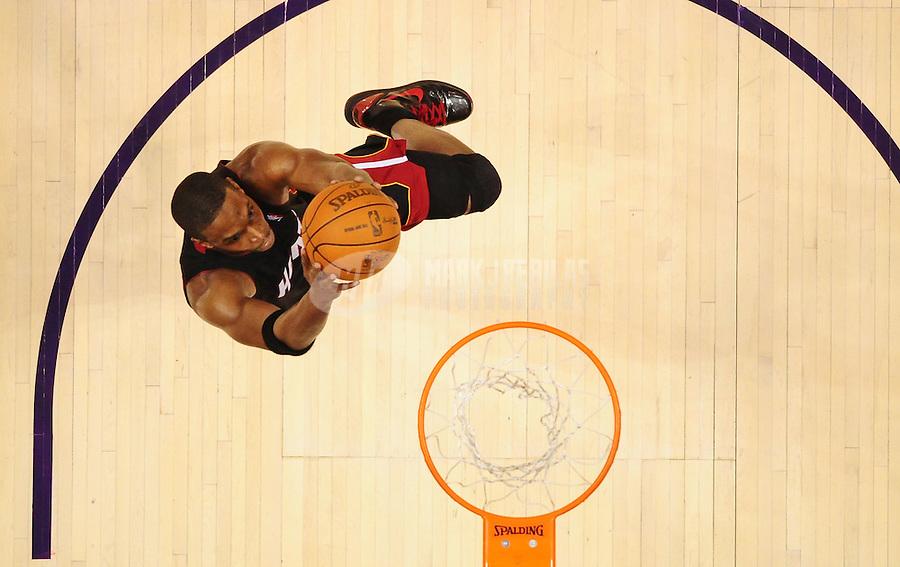Dec. 23, 2010; Phoenix, AZ, USA; Miami Heat forward (1) Chris Bosh against the Phoenix Suns at the US Airways Center. Mandatory Credit: Mark J. Rebilas-