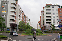 milano, periferia nord. nuovo complesso residenziale tra i quartieri quarto oggiaro e certosa --- milan, north periphery. new residential buildings compound at quarto oggiaro - certosa districts