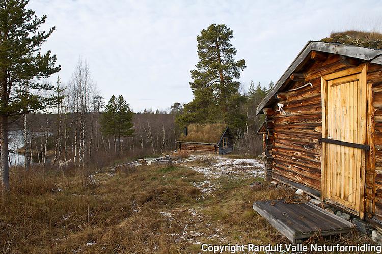 Andreas Nilsenhytta på grensa til Øvre Anarjohka Nasjonalpark. ---- Hut in Finnmark.