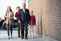 King Philippe of Belgium & children arrive for 1st day at school - Brussels  - Belgium