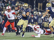 Annapolis, MD - November 11, 2017: Navy Midshipmen fullback Anthony Gargiulo (38) runs the ball during the game between SMU and Navy at  Navy-Marine Corps Memorial Stadium in Annapolis, MD.   (Photo by Elliott Brown/Media Images International)
