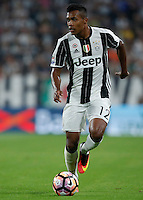 Calcio, Serie A: Juventus vs Fiorentina. Torino, Juventus Stadium, 20 agosto 2016.<br /> Juventus&rsquo; Alex Sandro in action during the Italian Serie A football match between Juventus and Fiorentina at Turin's Juventus Stadium, 20 August 2016. Juventus won 2-1.<br /> UPDATE IMAGES PRESS/Isabella Bonotto