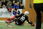 GER - Muelheim an der Ruhr, Germany, February 05: During the FinalFour final men hockey match between Rot-Weiss Koeln (whize) and Mannheimer HC (blue) on February 5, 2017 at innogy Sporthalle in Muelheim an der Ruhr, Germany. (Photo by Dirk Markgraf / www.265-images.com) *** Local caption *** Danny Nguyen #22 of Mannheimer HC, Victor Aly #30 of Rot-Weiss Koeln