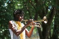 Cuba/La Havane: Place d'armes carnaval musiciens et danseurs