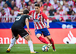 Kevin Gameiro (r) of Atletico de Madrid fights for the ball with Clement Nicolas Laurent Lenglet of Sevilla FC during the La Liga 2017-18 match between Atletico de Madrid and Sevilla FC at the Wanda Metropolitano on 23 September 2017 in Madrid, Spain. Photo by Diego Gonzalez / Power Sport Images