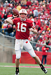 October 31, 2009: Wisconsin Badgers quarterback Scott Tolzien (16) throws the ball during an NCAA football game against the Purdue Boilermakers at Camp Randall Stadium on October 31, 2009 in Madison, Wisconsin. The Badgers won 37-0. (Photo by David Stluka)