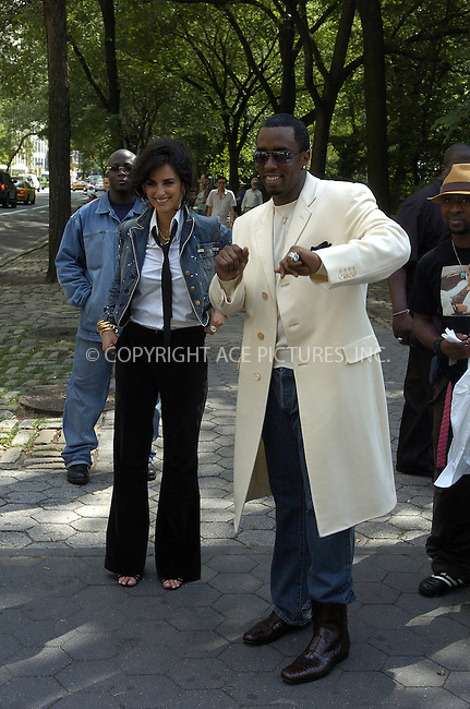WWW.ACEPIXS.COM ** ** ** ....NEW YORK, JUNE 28, 2005....Penelope Cruz and Sean 'P. Diddy' Combs are seen shooting the new Sean John advertisements with the legendary photographer Peter Lindbergh.....Please byline: IAN WINGFIELD - ACE PICTURES.. *** ***  ..Ace Pictures, Inc:  ..Craig Ashby (212) 243-8787..e-mail: picturedesk@acepixs.com..web: http://www.acepixs.com