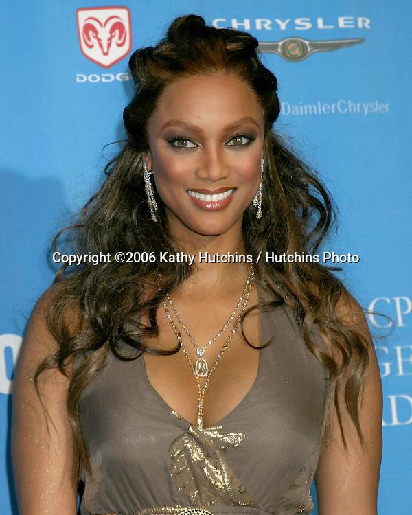 Tyra Banks.37th NAACP Image Awards.Shrine Auditorium.Los Angeles, CA.February 25, 2006.©2006 Kathy Hutchins / Hutchins Photo....                 V