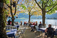 Austria, Upper Austria, Salzkammergut, St. Wolfgang at Lake Wolfgang: Café with seaside terrace | Oesterreich, Oberoesterreich, Salzkammergut, St. Wolfgang am Wolfgangsee: Cafe mit Seeterrasse