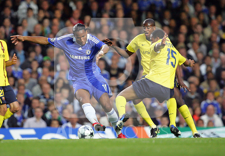 Didier Drogba of Chelsea in action during the UEFA Champions League Semi Final Second Leg match between Chelsea and Barcelona at Stamford Bridge on May 6, 2009 in London, England.