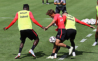 Chico Geraldes (Eintracht Frankfurt) gegen Danny da Costa (Eintracht Frankfurt), Mijat Gacinovic (Eintracht Frankfurt) - 08.08.2018: Eintracht Frankfurt Training, Commerzbank Arena<br /> <br /> DISCLAIMER: <br /> DFL regulations prohibit any use of photographs as image sequences and/or quasi-video.